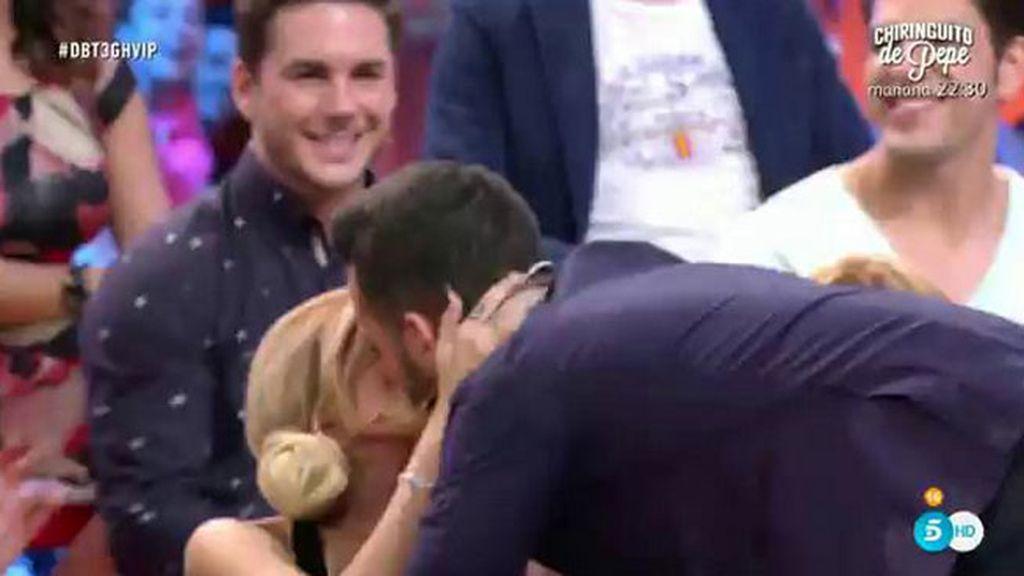 ¡Suso besa a Ylenia en el plató de 'GH VIP'!