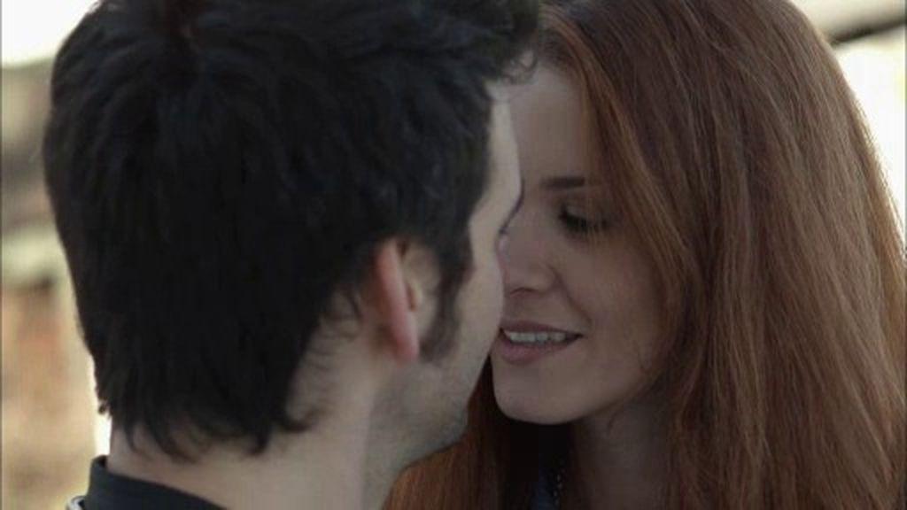 Mayte besa a Mario… ¿Qué queda de la relación que mantuvieron hace cinco años?