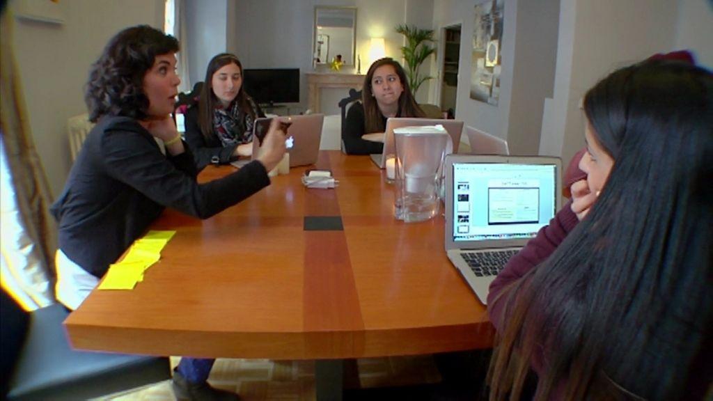 Los contactos en las escuelas de negocio ayudan a la colocación laboral en el futuro