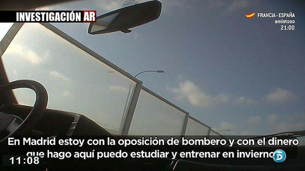 Muchas personas se mudan a Ibiza en verano para trabajar como taxistas ilegales