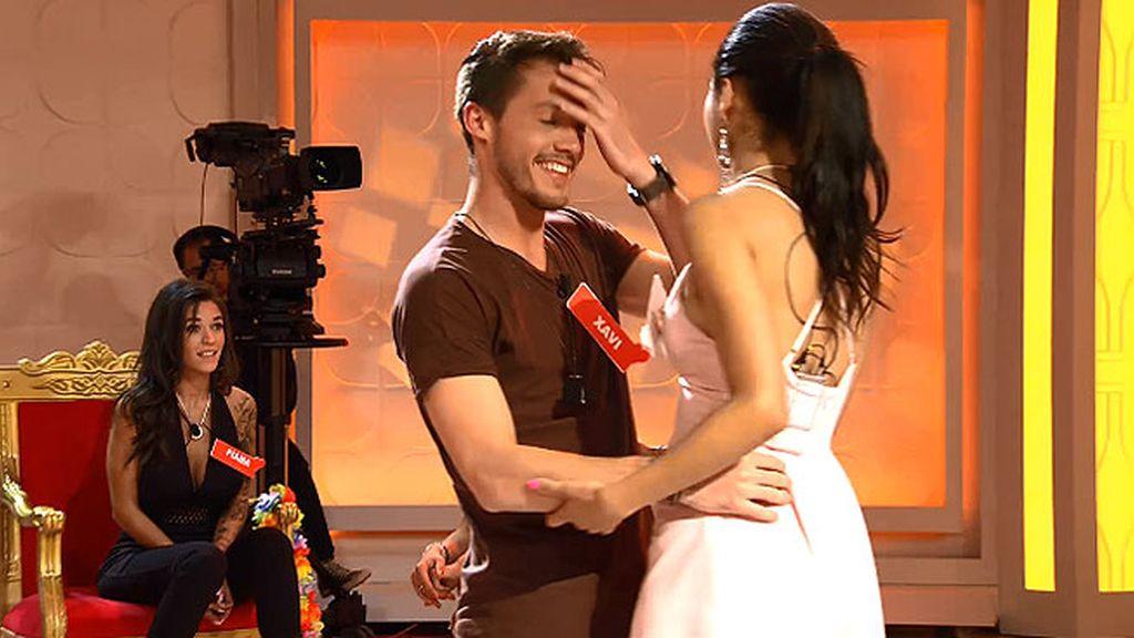 Xavi, incómodo tras bailar con Jessica