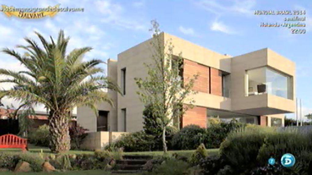 Joaquín Torres muestra una casa que diseñó hace diez años en Galicia