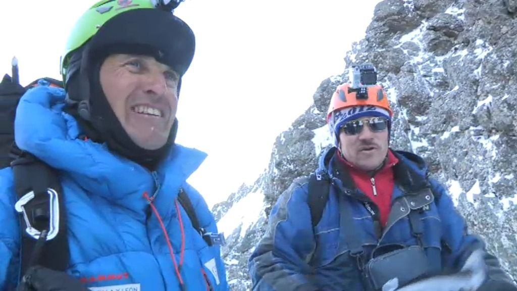 Jesús Calleja asciende hasta la cima de una montaña virgen en los Montes Urales