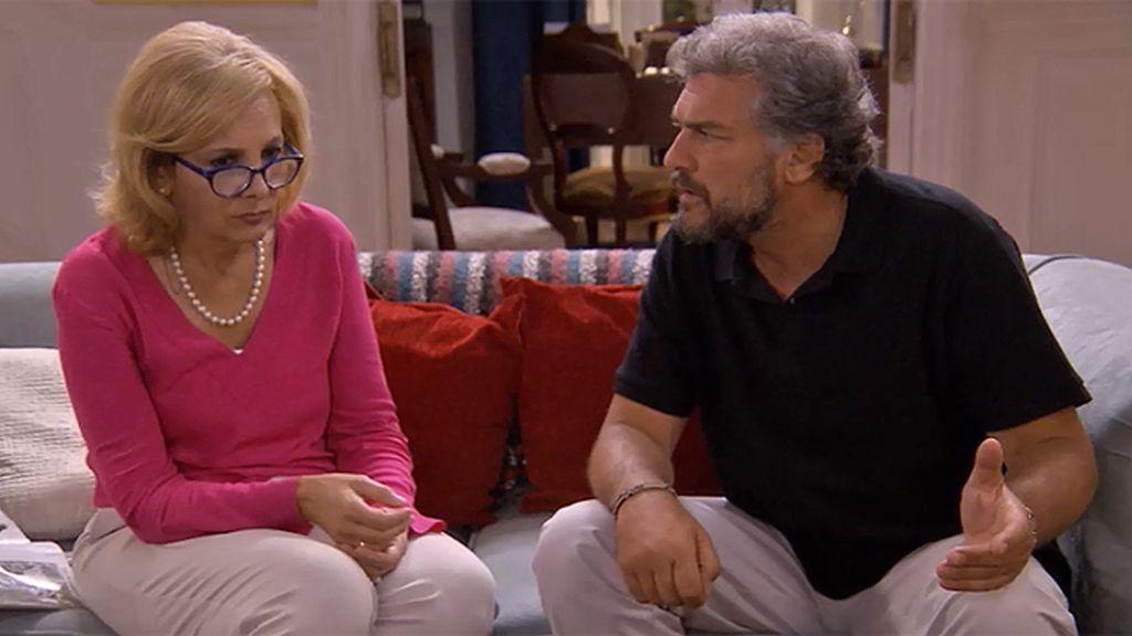 Ángel decide buscar pareja a Lucía