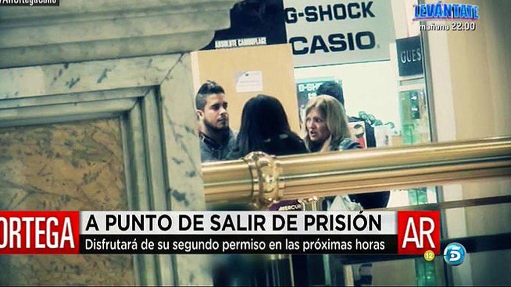 José Fernando sale de la clínica para celebrar el 19 cumpleaños de su hermana
