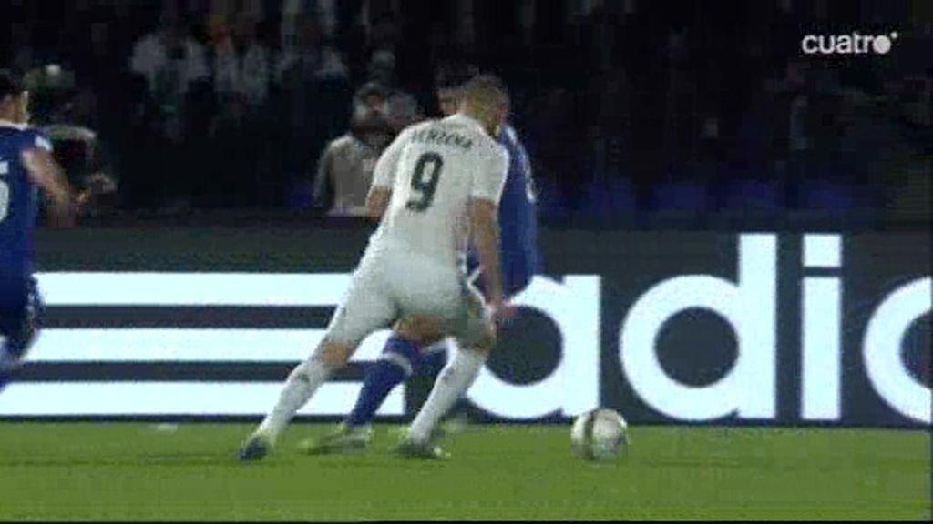 Benzema rozó el gol con un zapatazo desde la frontal