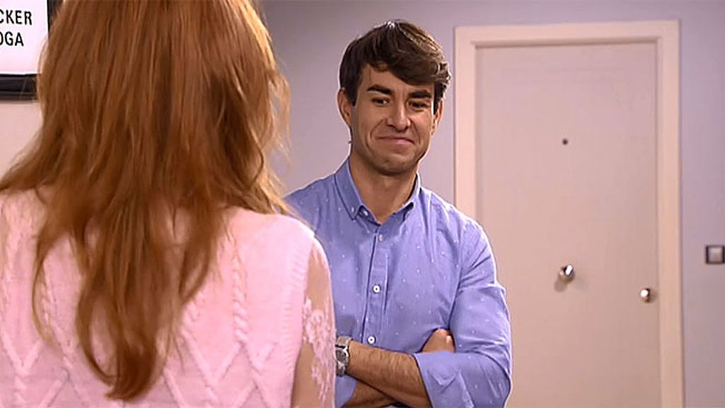 Lola presenta a Gabi a su amiga independiente, soltera, guapa... a Judith