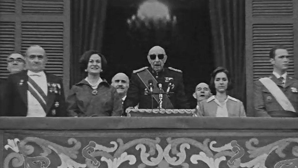 Juan Carlos y Sofía acudieron al acto de desagravio junto a Franco