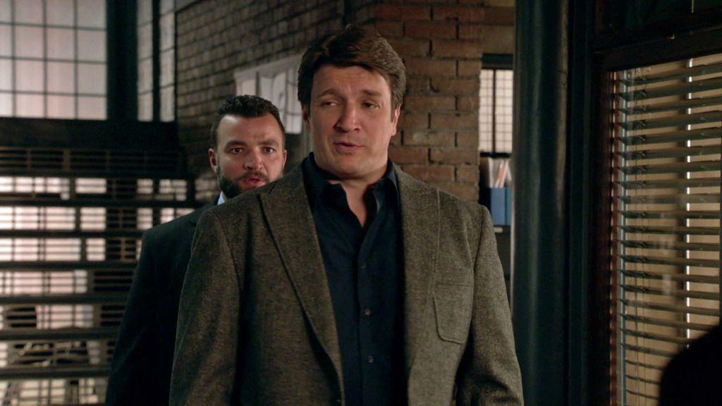 """Castle se mete en problemas imitando el acento """"riuso"""": """"Soun amiguios ameriquianos"""""""