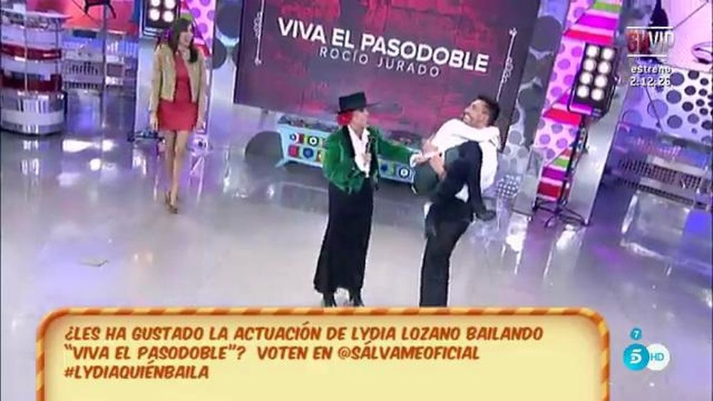María Patiño y Víctor Sandoval dan vueltas con Pol Chamorro