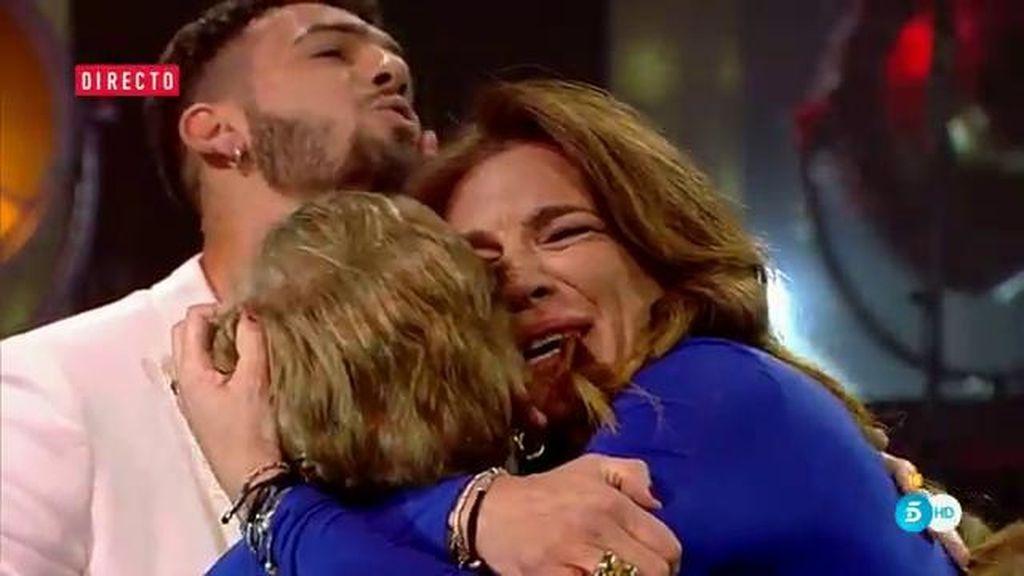 Raquel Bollo enloquece al ver a su hijo y a su madre