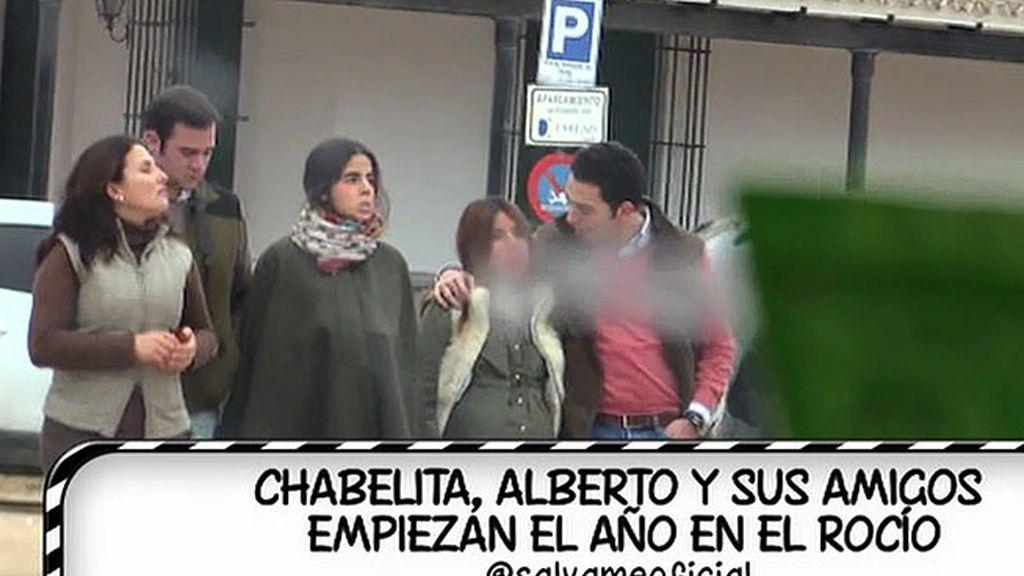 Alberto Isla y Chabelita disfrutan del Rocío junto a unos amigos