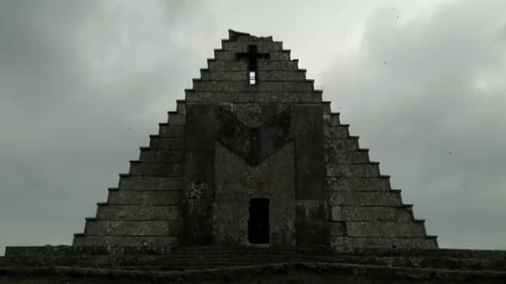 La pirámide mortal: el epicentro de misteriosas tragedias
