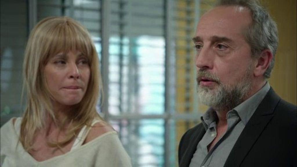 Pablo presenta su dimisión para sorpresa de todos y tras la petición de Clara