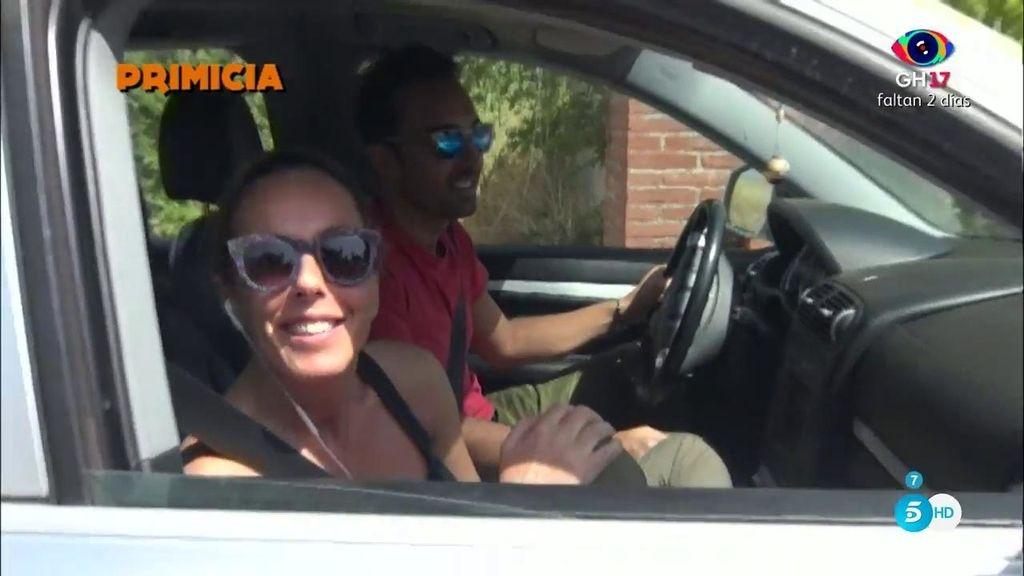 """En primicia, la llegada de Rocío Carrasco y Fidel Albiac al lugar donde se darán el 'sí, quiero': """"Estamos impacientes"""""""