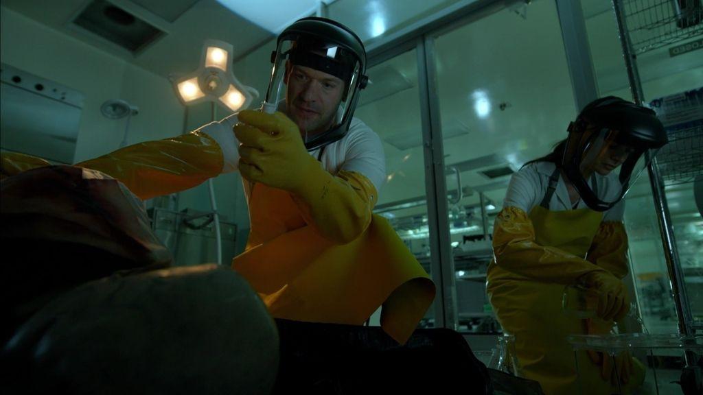 El doctor Goodweather encuentra un patógeno que puede matar a los strigoi
