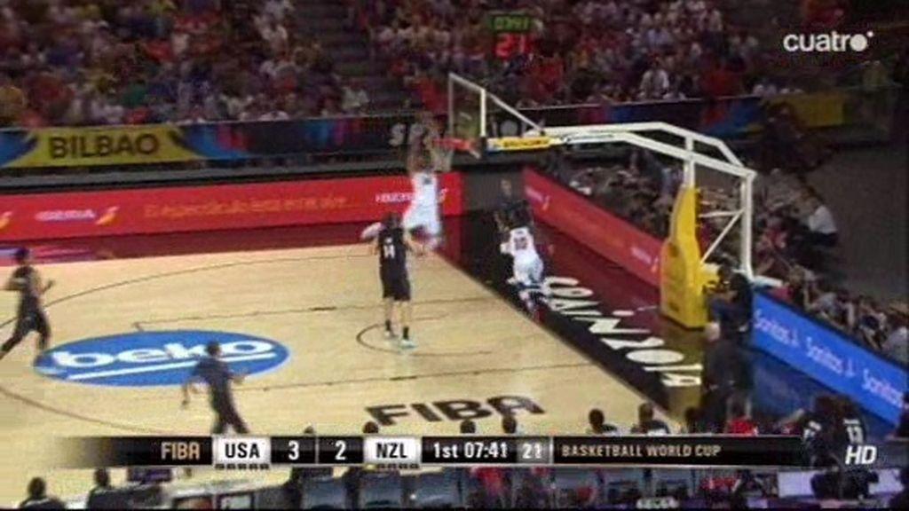 Irving manda la bola al cielo y Anthony Davis vuela para machacar el aro