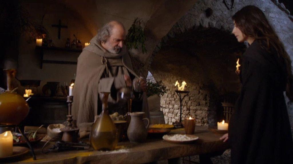 Julieta trata de recuperar a Romeo gracias al veneno del Padre Lorenzo