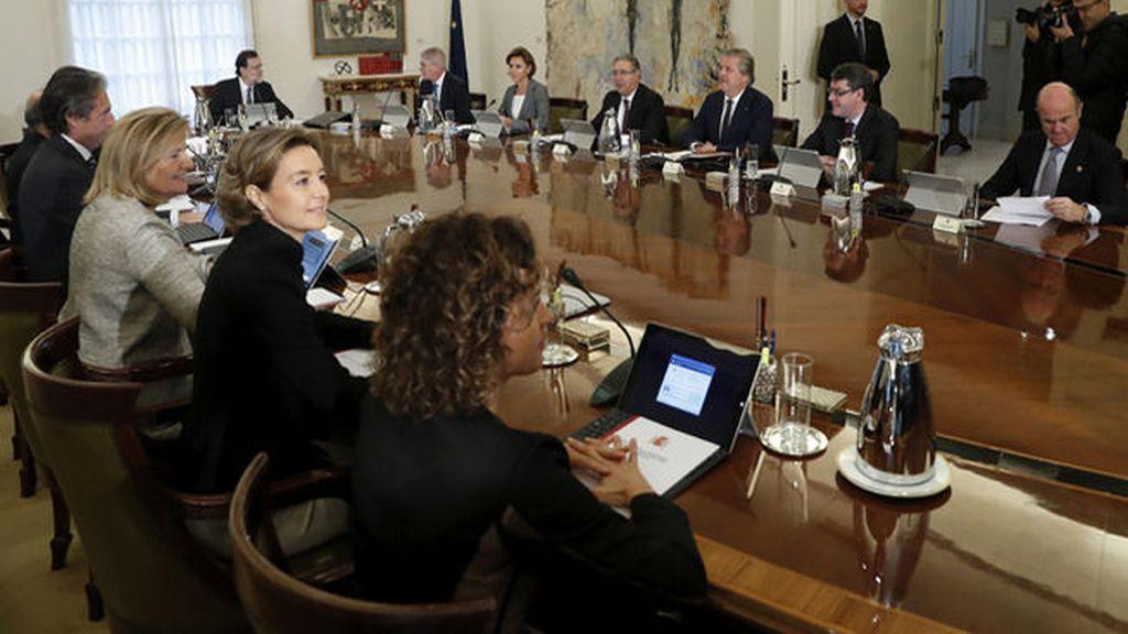 El nuevo gabinete se da un baño de satisfacciones en el intercambio de carteras