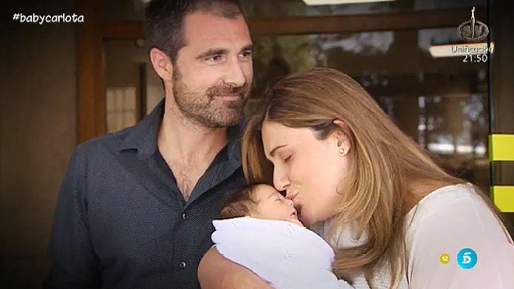 Carlota Corredera y su marido Carlos nos presentan a su hija Alba