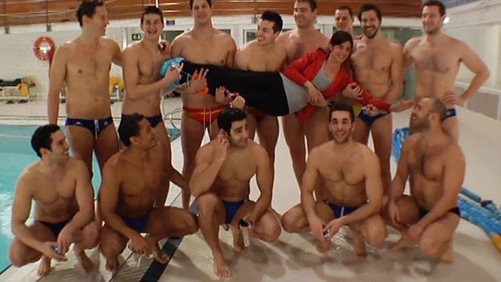 Samanta, en la foto de equipo de la selección española de waterpolo