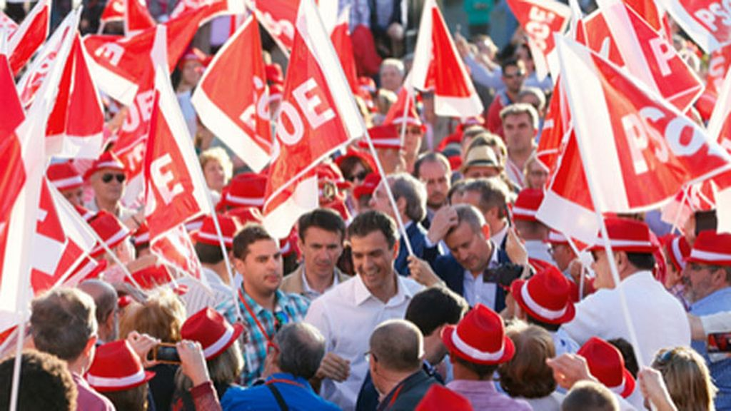 """Sánchez: """"No es hora de dividirnos ni de diluirnos, sino de unirnos en torno al PSOE"""""""