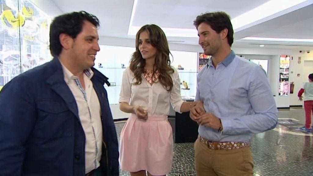 Laura y Cidoncha invitan a su minicita al alcalde de Torremejía