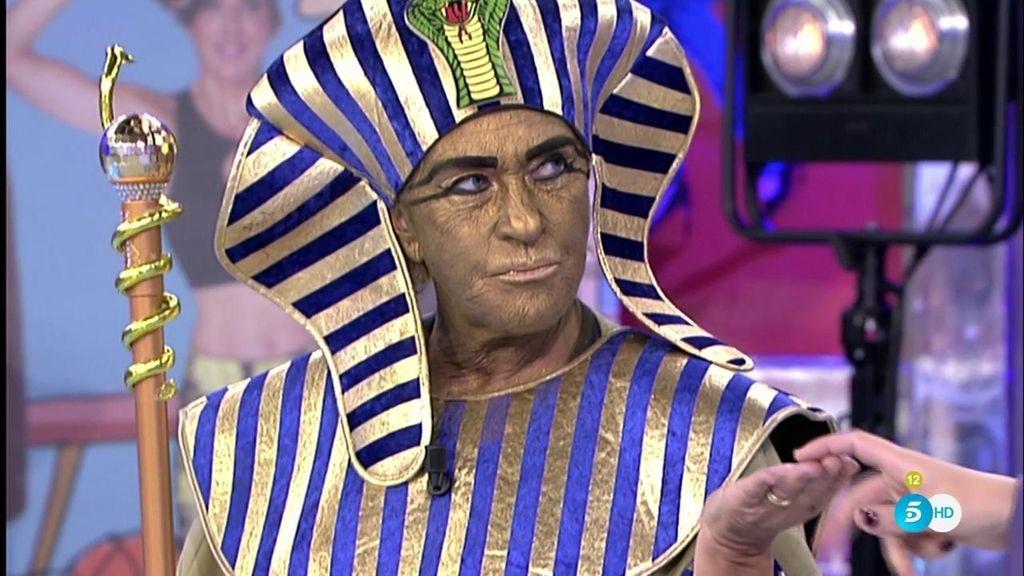 'Chetankamón' viene a 'Sálvame' para homenajear a la momia de Tutankamón
