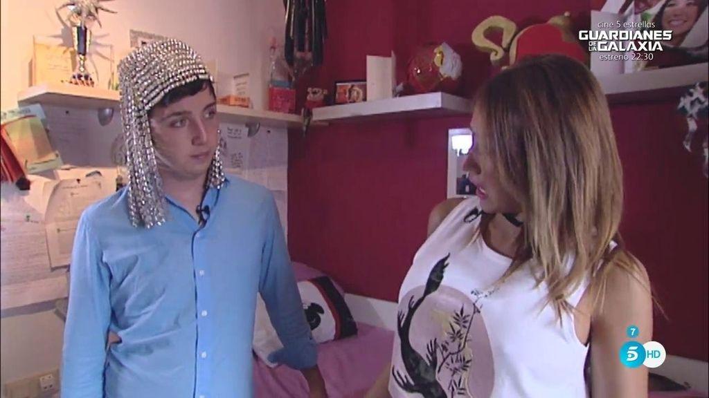 Steisy enseña su ropa más sensual a Francisco Nicolás
