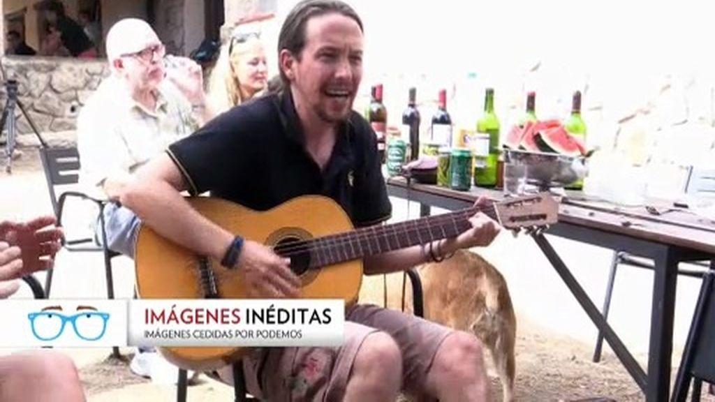 Imágenes inéditas: Una cumbre de Podemos que termina con Barbacoa y cantando
