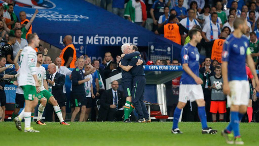 La anécdota: el pitido de falta se confunde con el final e Irlanda celebra la victoria