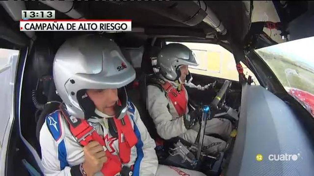 Albert Rivera se va de rally en 'Planeta Calleja' y da tres vueltas de campana