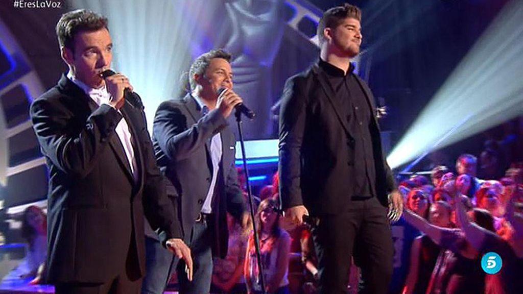 Sanz canta con su equipo 'No me compares'