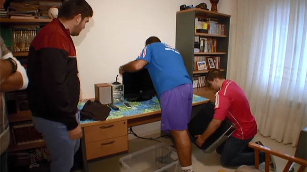 García Aguado le quita el ordenador a Iván