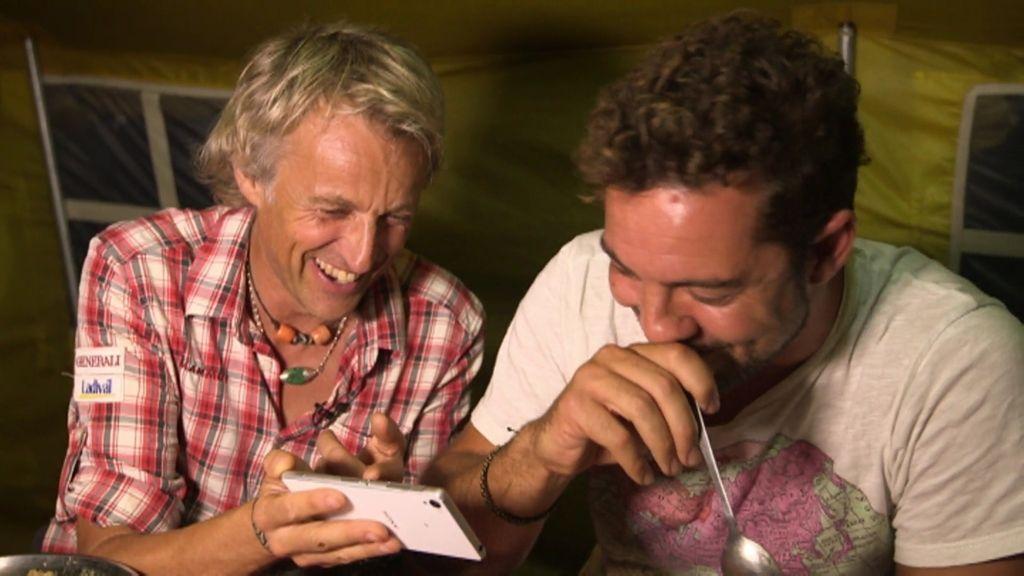 David Bisbal se parte de risa con la manera que Álex González le imitó en Planeta Calleja