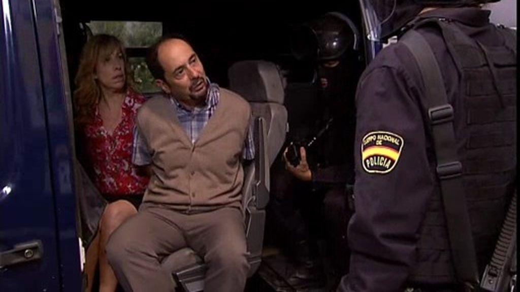 La policía detiene a Antonio al confundirle con un terrorista, ¿quién le ha robado el wifi?