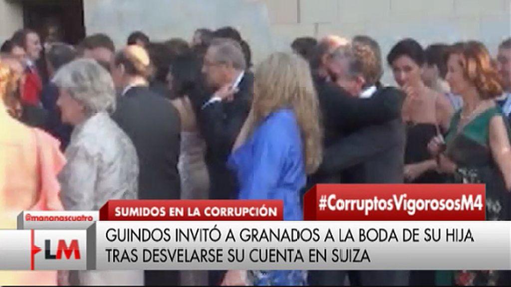 El abrazo de De Guindos a Francisco Granados en la boda de su hija