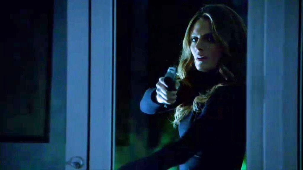 Lazarus ordena a Beckett  matar a un hombre inocente