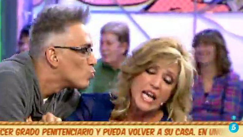 ¡Lydia Lozano le niega un beso a Kiko!