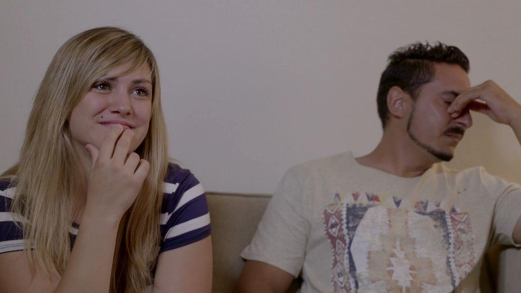 Andrés es incapaz de hablar después de ver imágenes de sus discusiones con Laura