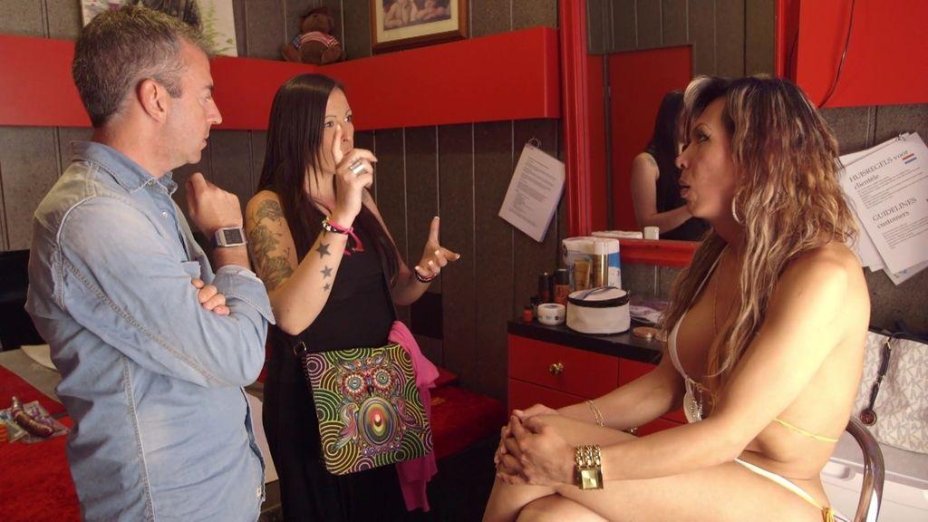 Judit llega a Ámsterdam para ganarse la vida con su masaje erótico