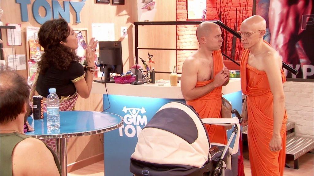 Raquel cree que su hija es la reencarnación del 'Dalai Lama'
