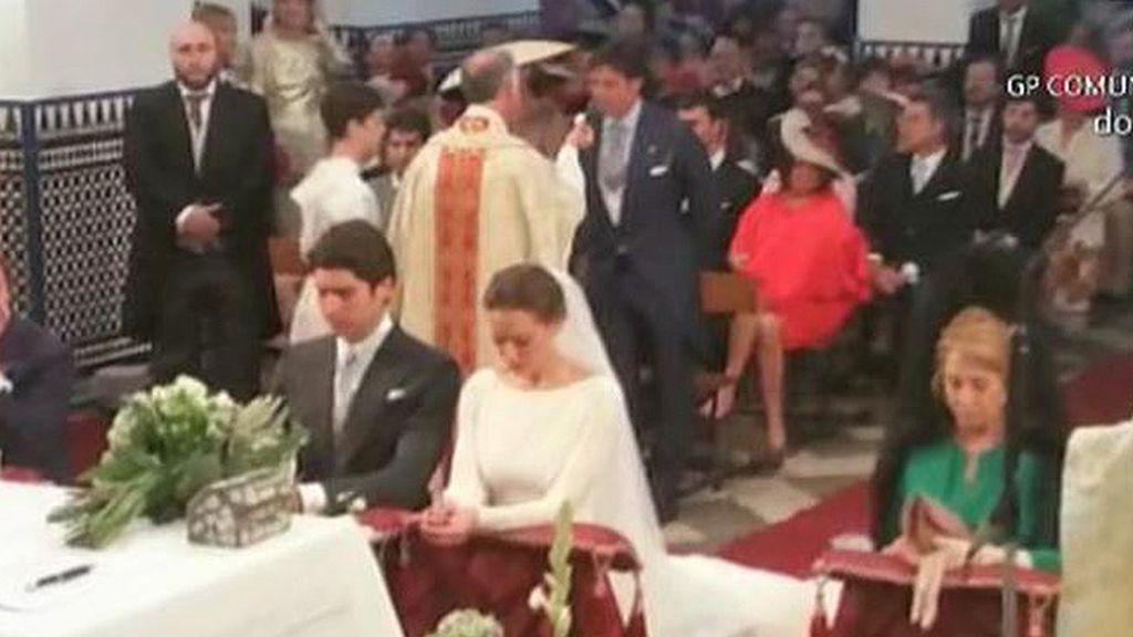 La primera imagen de Eva González y Cayetano Rivera en el altar