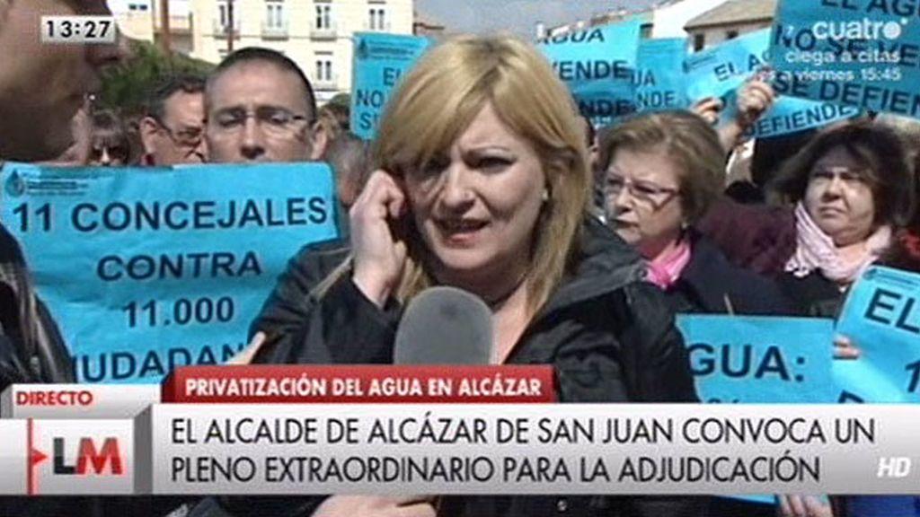 """Isabel, vecina de Alcázar: """"El pozo es nuestro, venden algo que no es suyo"""""""