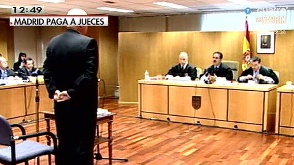 Madrid paga primas a jueces por medio de una empresa privada, según 'El País'