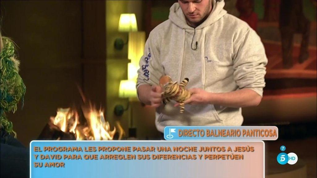 ¡Jordi Martí intenta quemar el tigre de Tomillero!