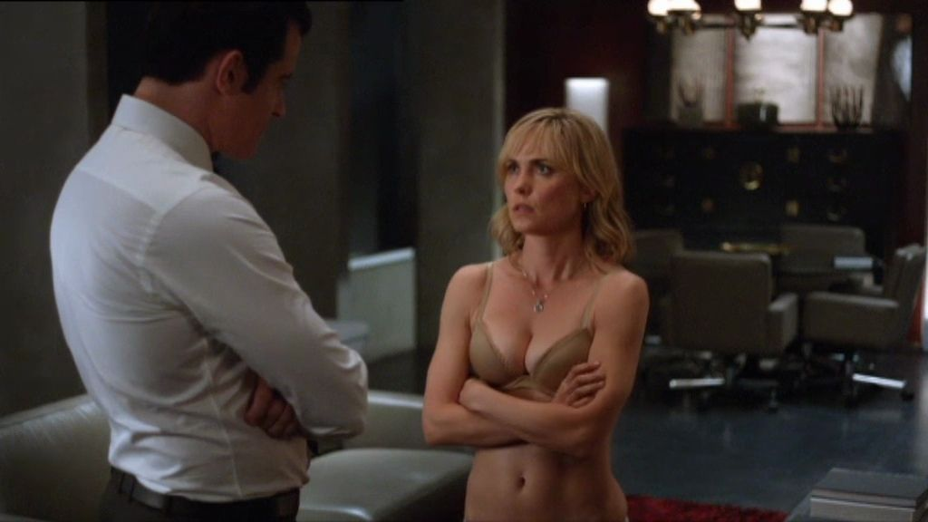 Marta se desnuda ante Schiller