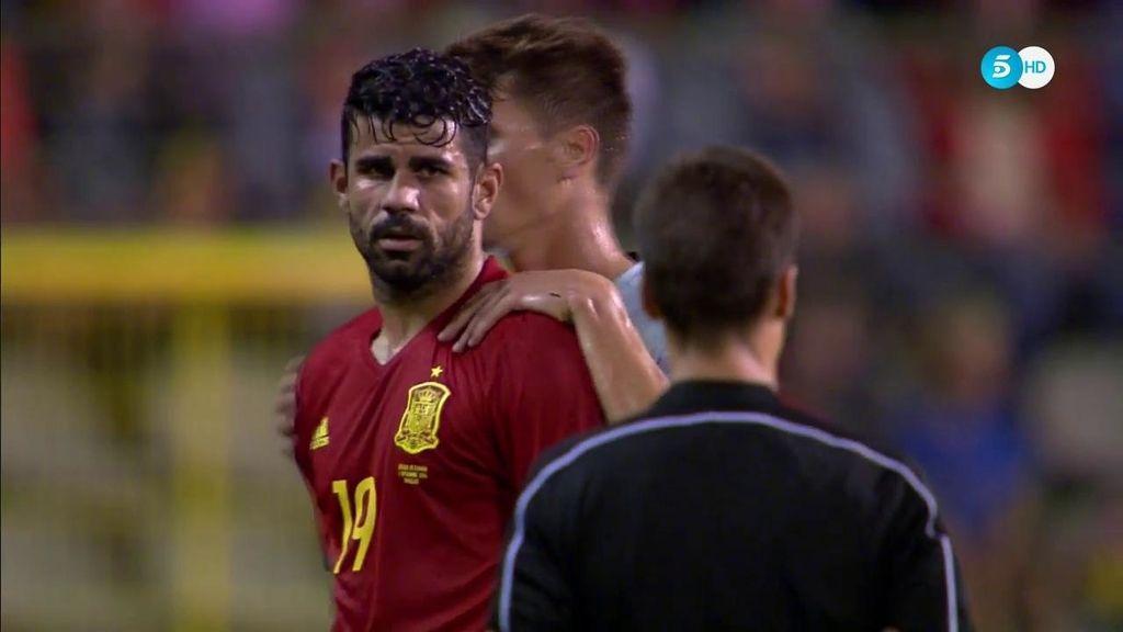 ¡Cuidado con lo que tocas! Diego Costa avisa con un manotazo a Meunier