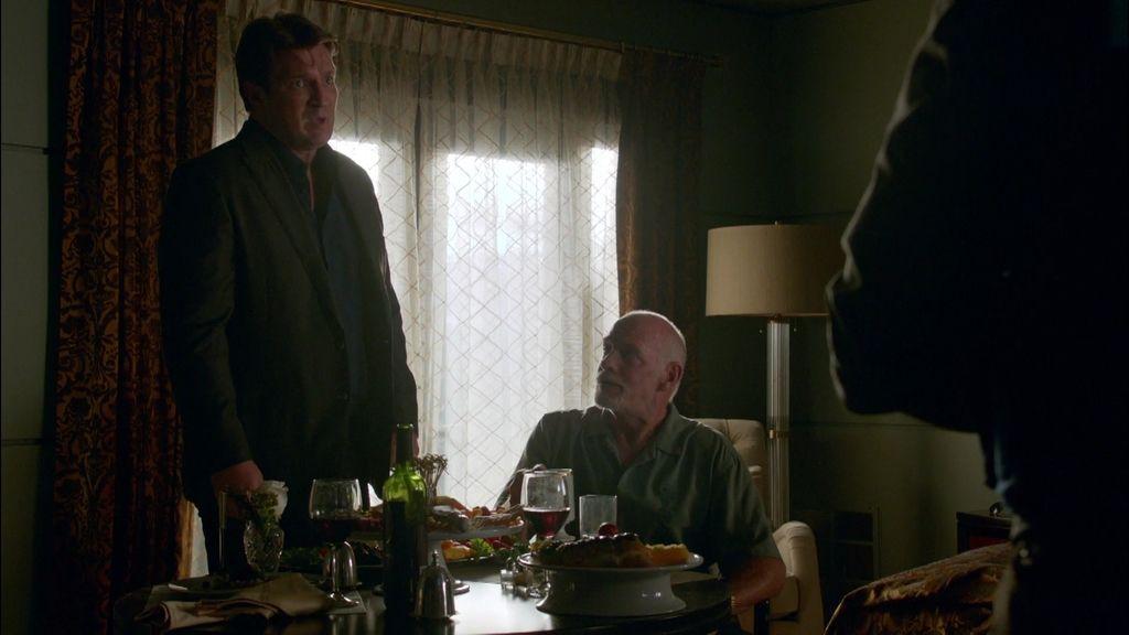 """Castle: """"Bueno, sí, es un asesino de la mafia, pero en el fondo es buena persona"""""""
