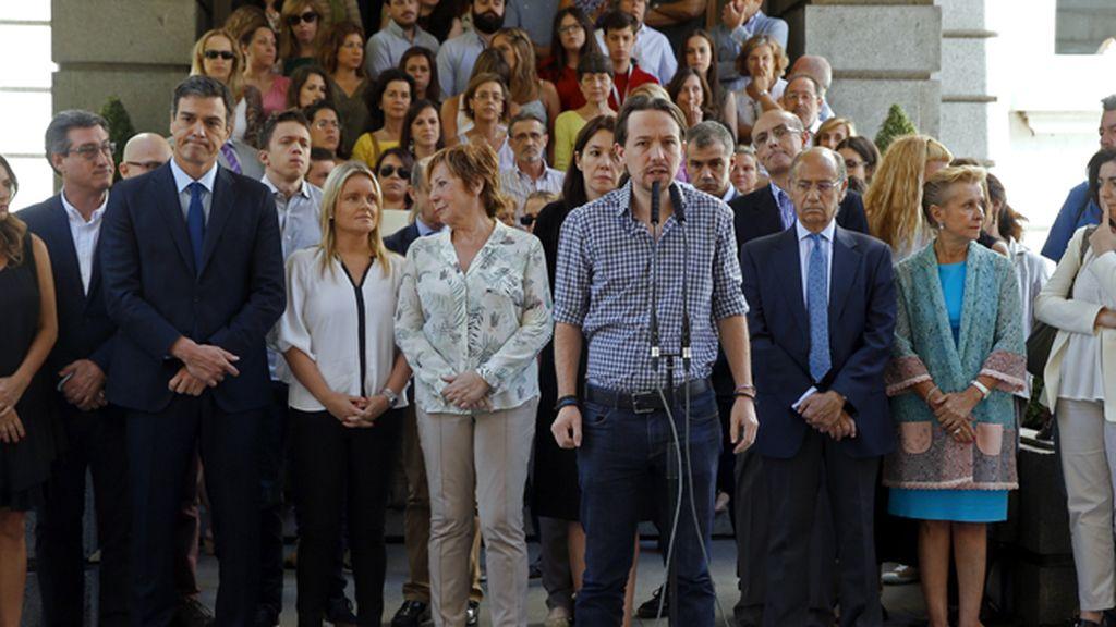 """Iglesias muestra su """"solidaridad """" con Francia y pide unidad frente al terrorismo"""